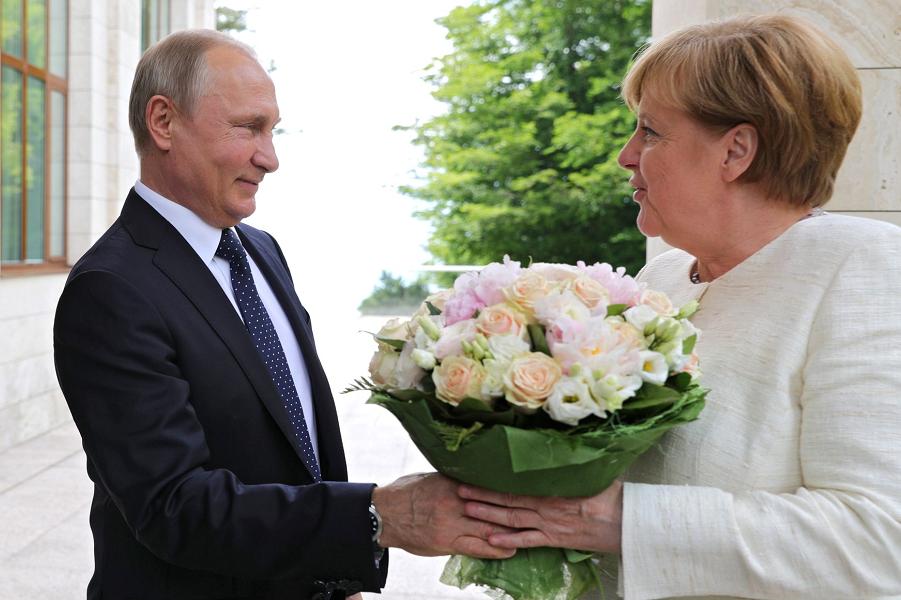 Визит в Берлин. Путин оконча…