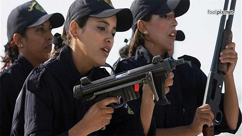 Девушки на службе в армии фото 6