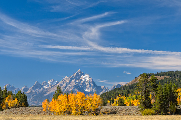 Фотография Grand Teton adorned in fall colors автор David Kingham на 500px