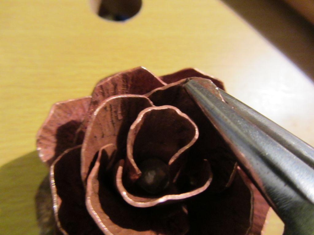 Роза с металла своими руками 47