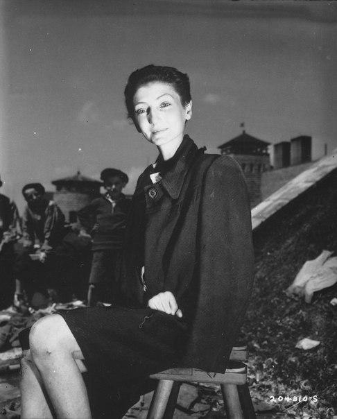 Венгерская актриса Ливия Надор, освобожденная из концлагеря Гузен.