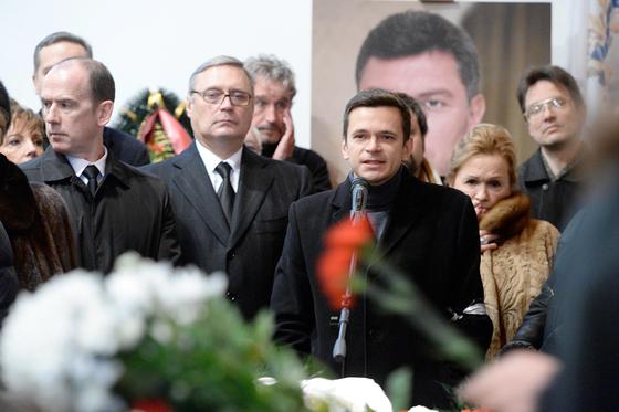 Илья Яшин и Михаил Касьянов (слева)