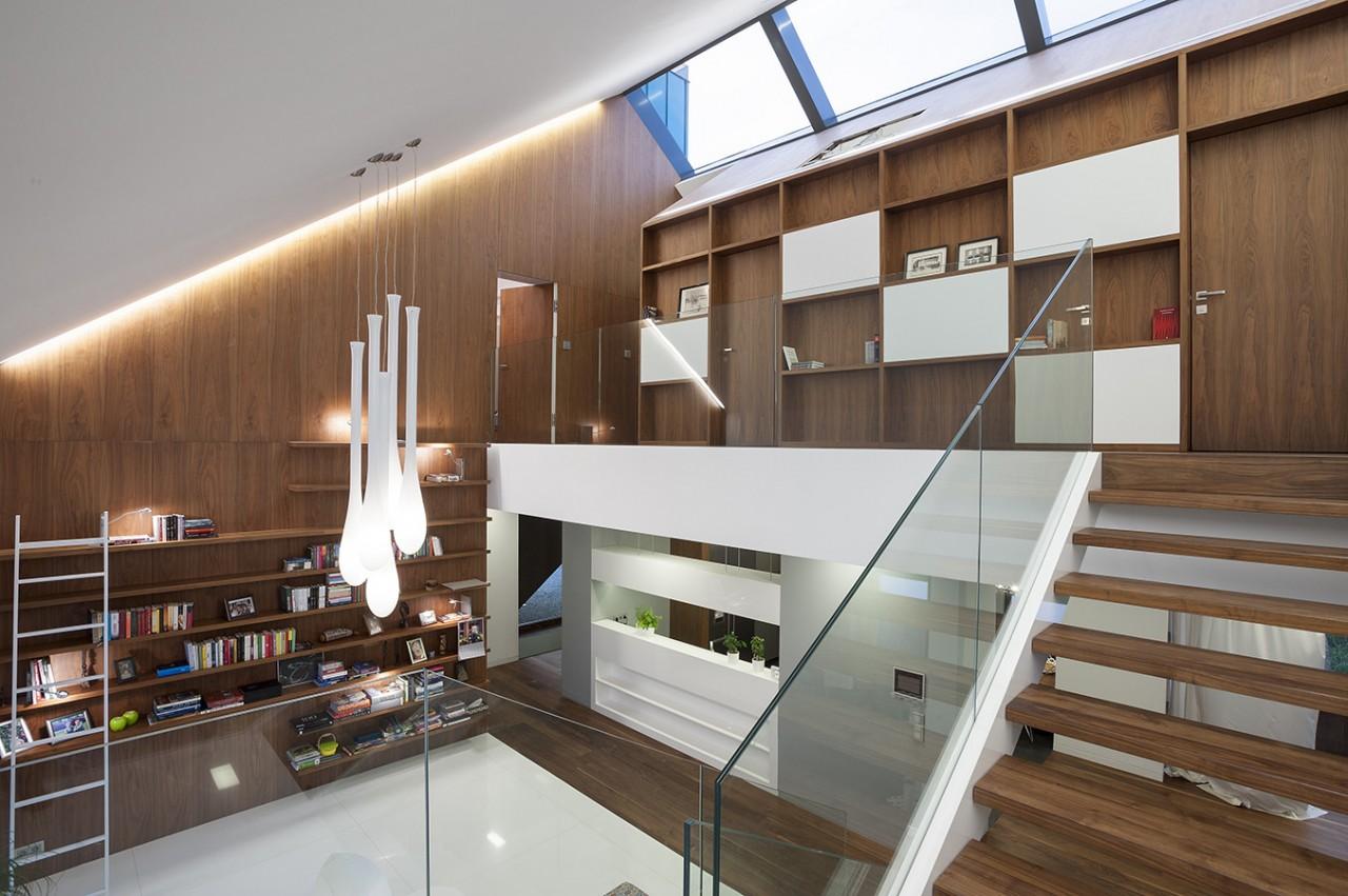 Оригинальный и функциональный многоступенчатый дом