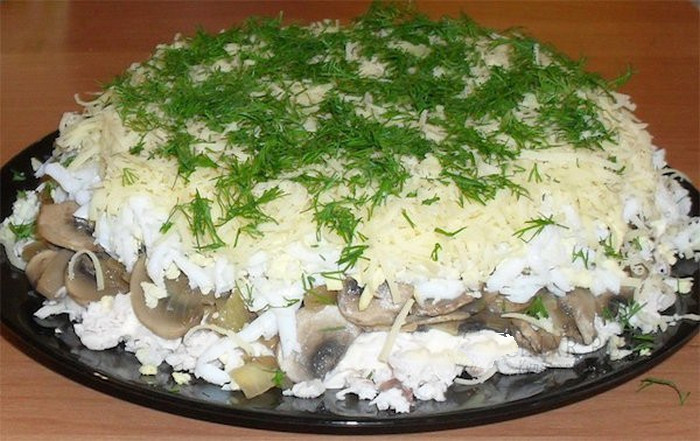 Салат с курицей и опятами слоями рецепт
