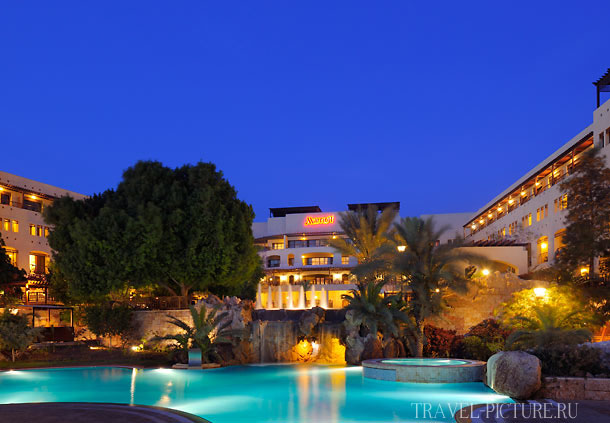 В каком отеле Иордании забронировать номер лучше всего туристу и цены?
