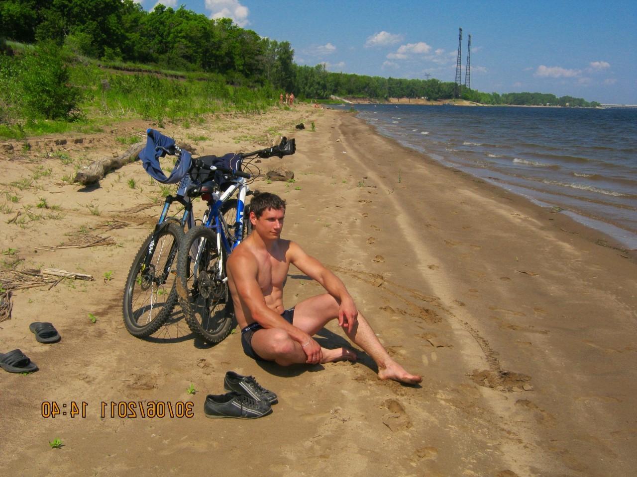 Приколы надиком пляже 17 фотография