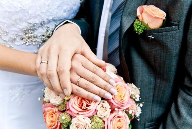 Вы бы  играли бы свадьбу, фото- видео съемки лавстори и пр. атрибуты современной свадьбы в 40 лет??