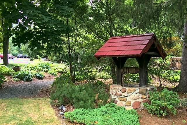 Красивые садовые колодцы :: Фото красивых интерьеров
