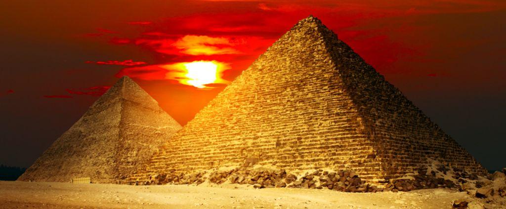 Кто построил египетские пирамиды