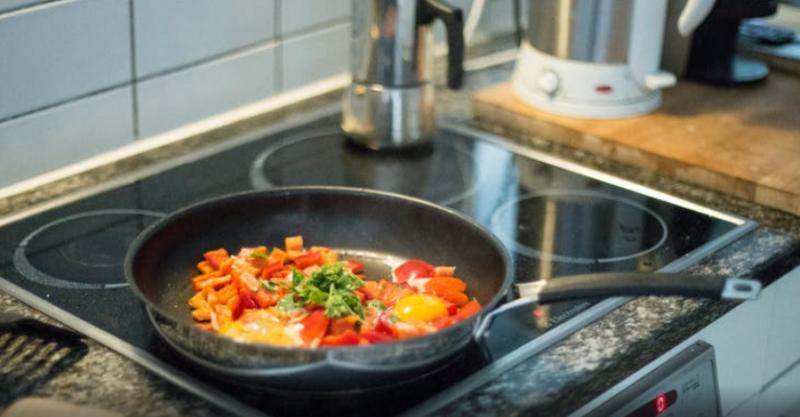 Чем различается еда, приготовленная на газу и электроплите