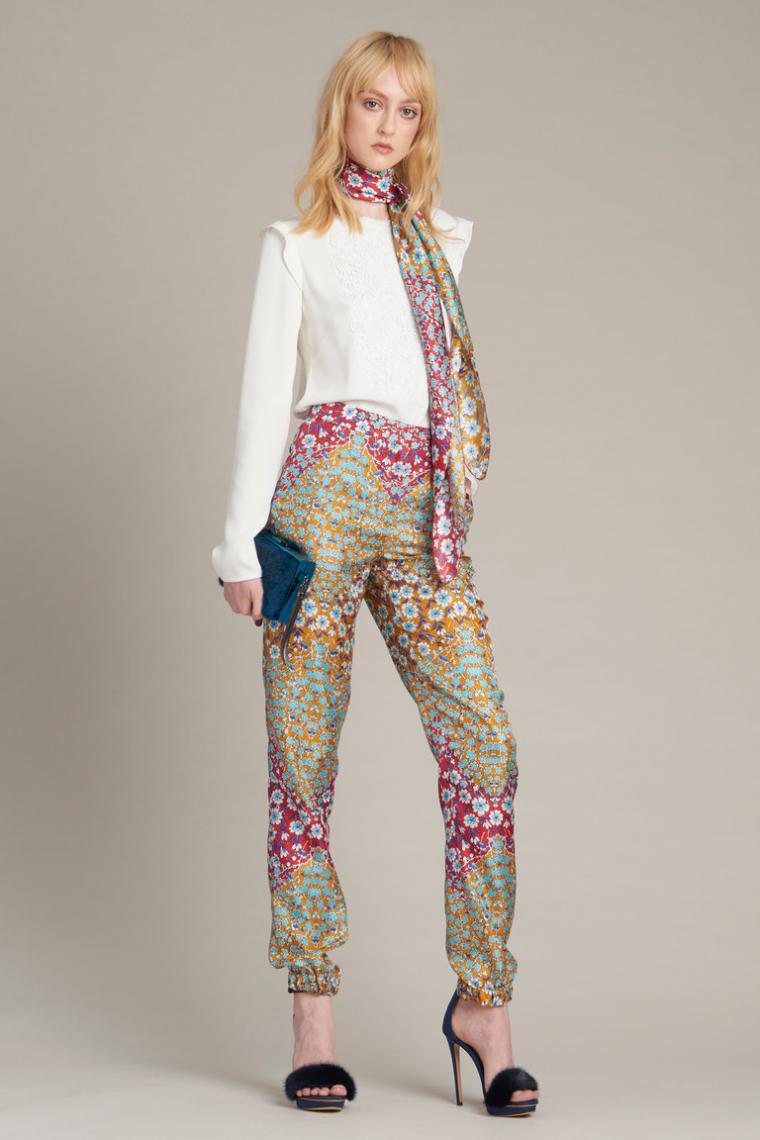 Улица дизайнерская одежда