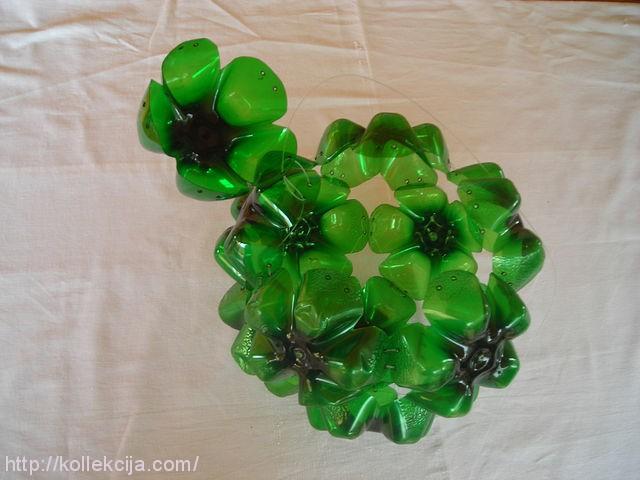Как сделать из донышек пластиковых бутылок