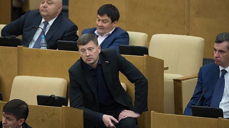 «У нас дворян нет, кроме Михалкова»: автор законопроекта о дуэльном кодексе объяснил, для кого он предназначен