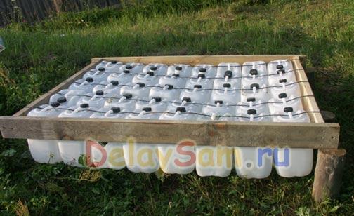 Самодельный плот – дебаркадер из пластиковых канистр