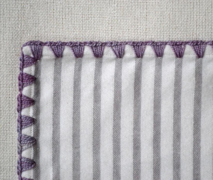 Как обвязать ткань пряжей (3)
