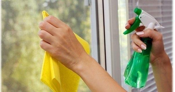 Специальный раствор для сохранения чистоты окон надолго