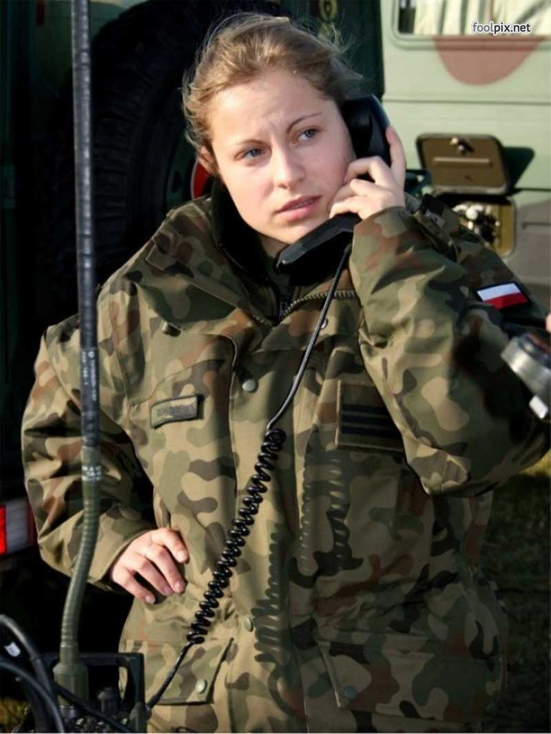 Девушки на службе в армии фото 31