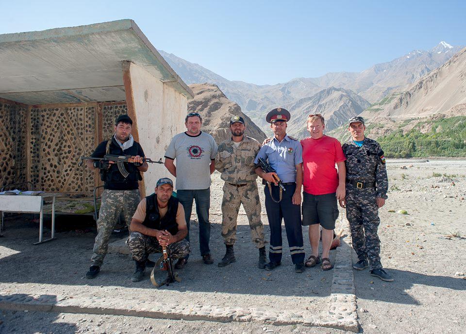 «Крым вернулся, и мы тоже к вам вернемся»: жители Таджикистана говорят, что хотят «домой, в Россию»