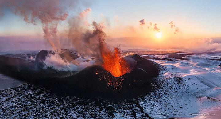 Вулкан Толбачик на Камчатке