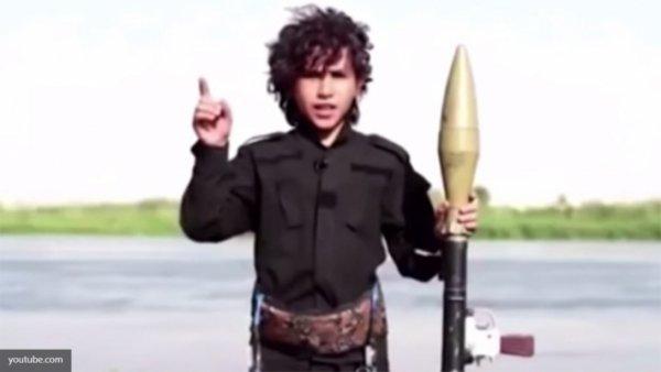 Маленькая девочка казнила в ИГИЛ пять женщин