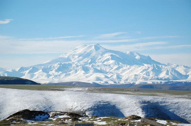 1024px-Mount_Elbrus_May_2008