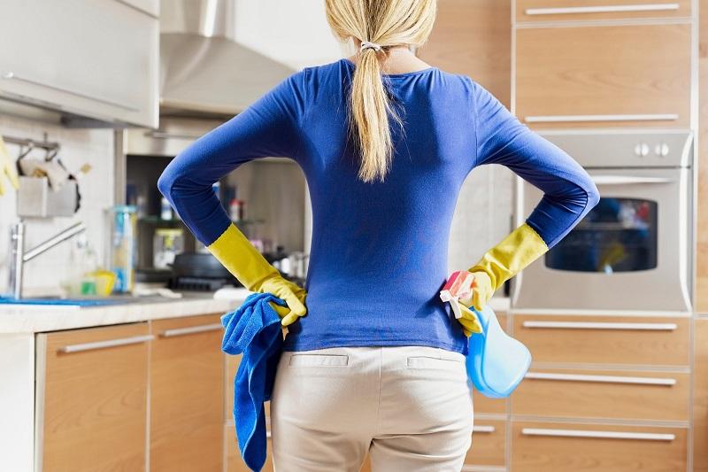 Копоть и жир на вытяжке убирается в два счета! И еще 10 лайфхаков для безупречно чистой кухни.