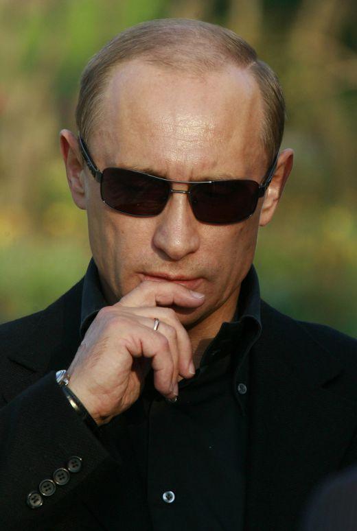 ТАК КТО ЖЕ ТЫ ЕСТЬ, ТОВАРИЩ ПУТИН? В последнее время опять активизировались люди критикующие Путина. Эту заметку я посвящаю им.