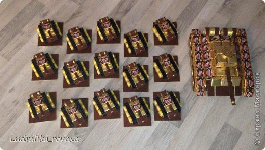 Мастер-класс Свит-дизайн 23 февраля Моделирование конструирование МК маленького но очень мощного Танка  Бумага гофрированная фото 27