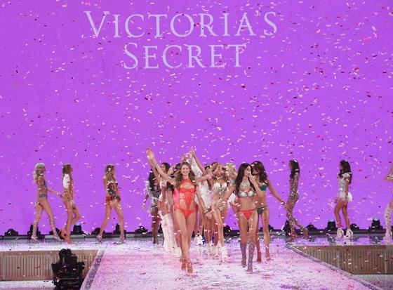 Мировые супермодели на новом показе Victoria's Secret