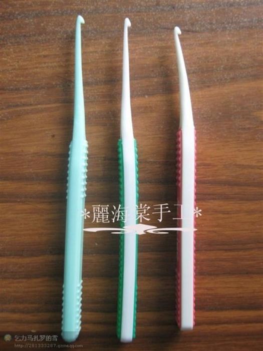 Картинка как сделать крючок для вязания из старой зубной щетки