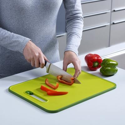 Разделочная доска с ножеточкой