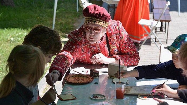 Петербуржцы в День народного единства смогут посетить Фестиваль народных промыслов