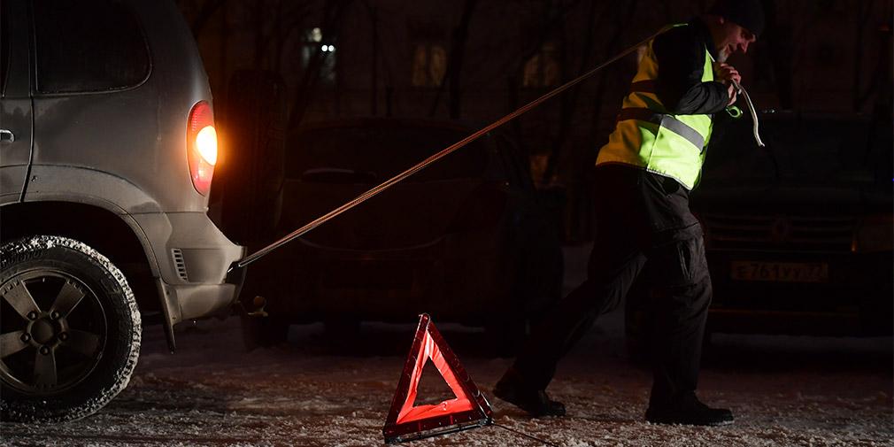 Водителей заставили носить светоотражающие жилеты в темное время суток