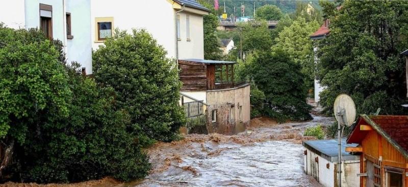 Библейский потоп уничтожает Германию