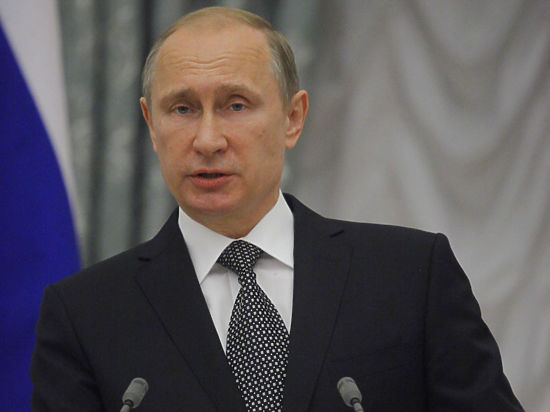 Путин потребовал изгнать доллары из России