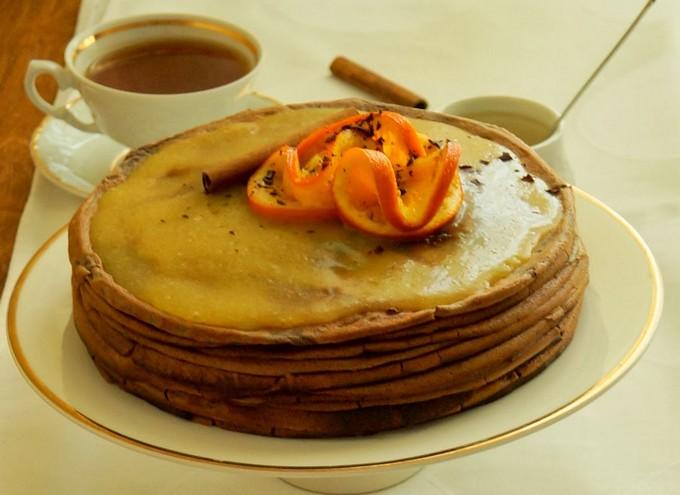 Шоколадный торт Crepes с апельсином