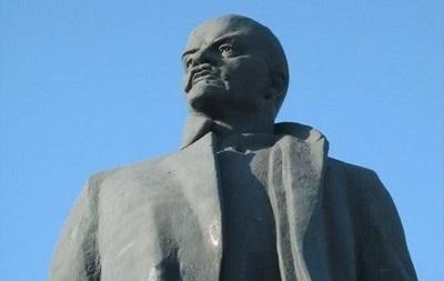 Ленин жил,Ленин жив,Ленин будет жить! :На Полтавщине улицу Небесной сотни снова назвали в честь Ленина