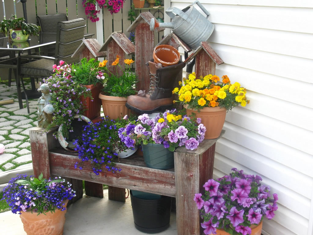 Поделки для цветущего сада