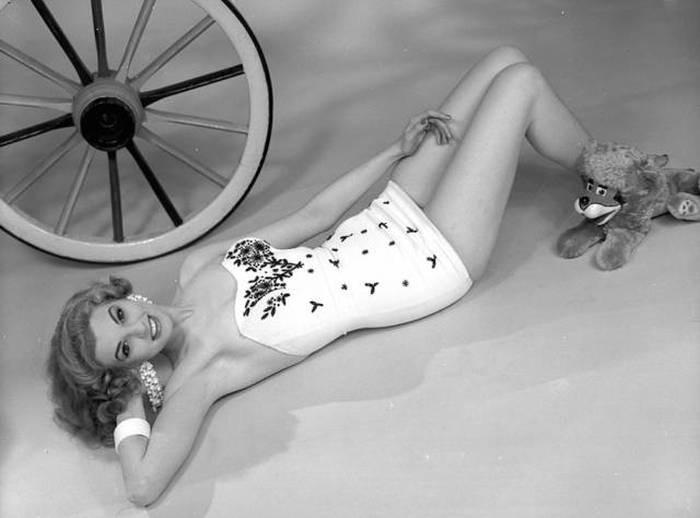 Фотографии моделей 60-х годов