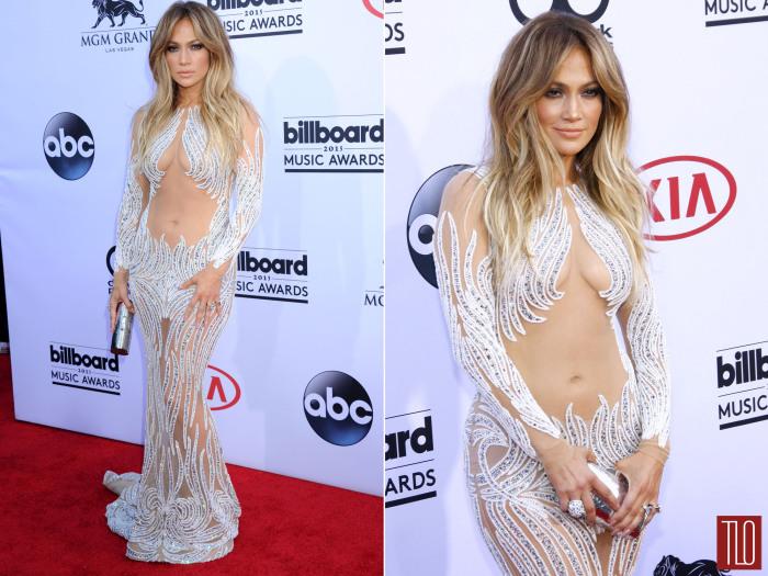 В 2015 году для красной ковровой дорожки ежегодной музыкальной премии Billboard Music Awards Джей Ло выбрала очень откровенное прозрачное платье с бело-серебристой вышивкой.