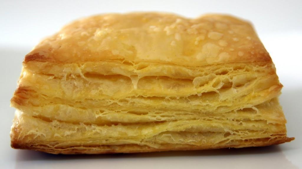 Завтрак из слоеного теста. Быстрые и вкусные рецепты из слоеного теста