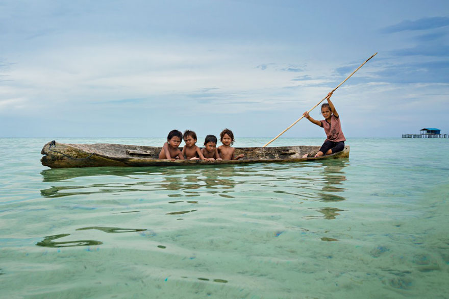 sea-tribe-gipsies-the-bajaus-rehan-borneo-11