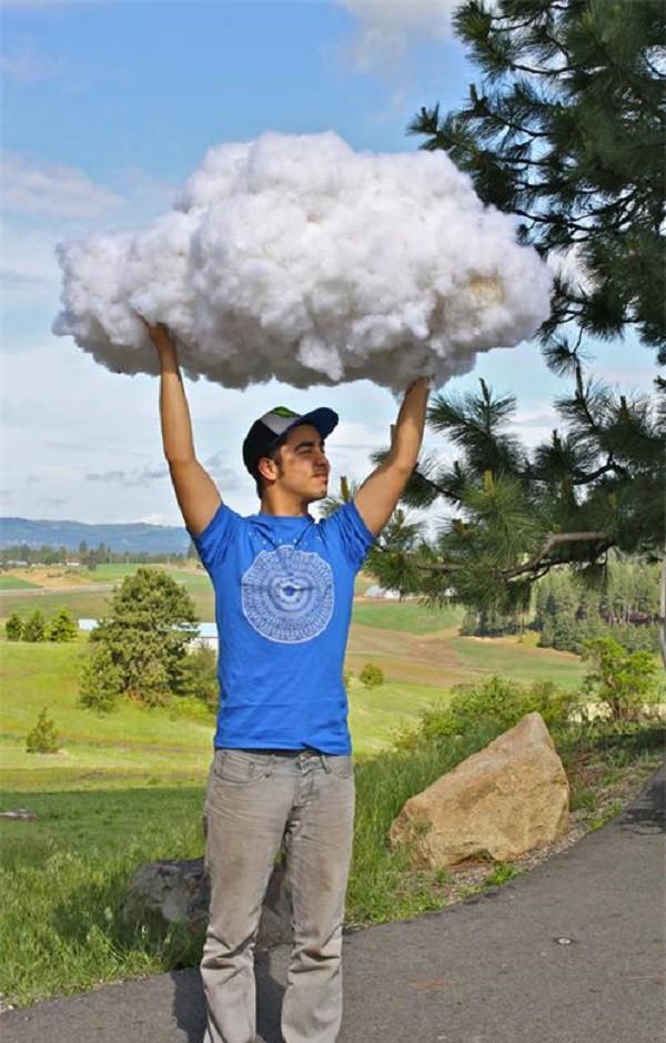 Облако в руках Облако из воздушных шариков, клея бумаги и ваты, не фотошоп, облако, облако в руках, своими руками