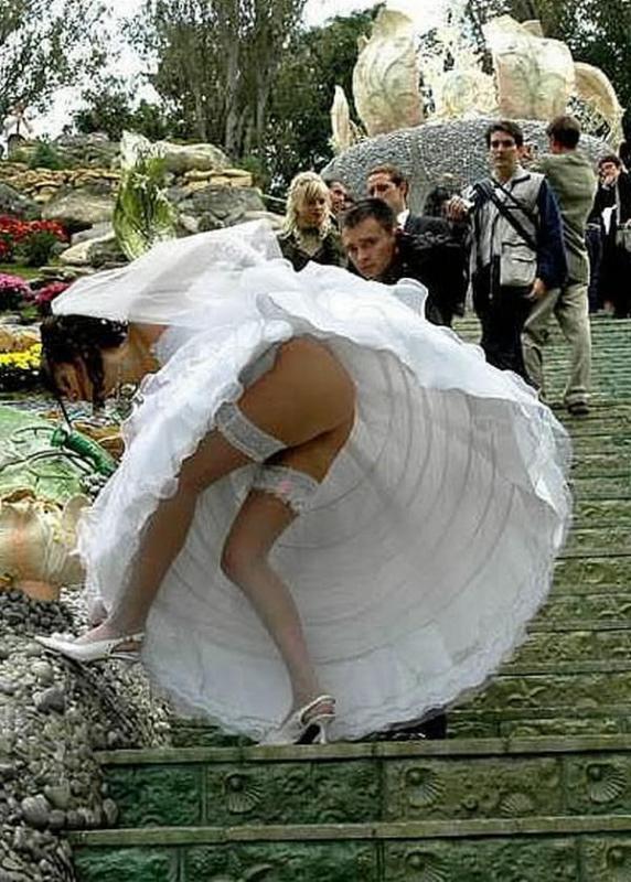 невеста легла под всех мужиков на свадьбе
