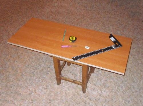 Инструменты для разметки отверстий под крепежи шкафа