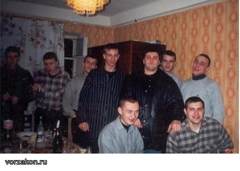бандиты 90-х годов фото берут
