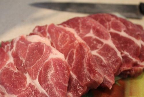 нарезаем мясо