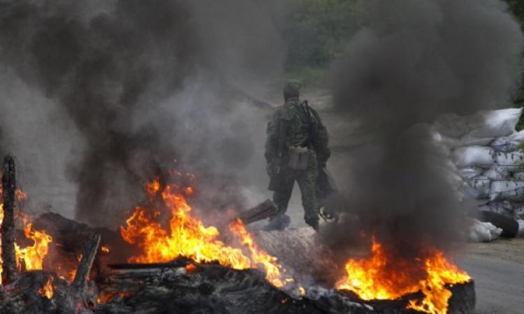 Украинские силовики открыли огонь по аэропорту Донецка