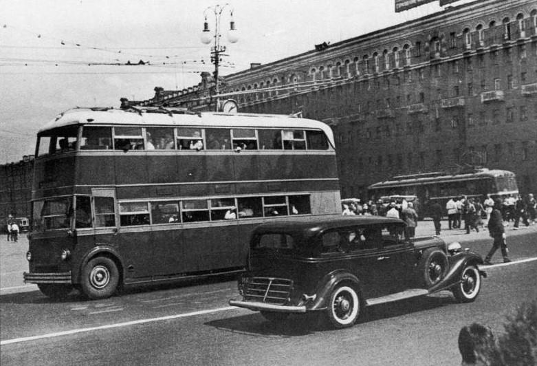 Советский двухэтажный троллейбус