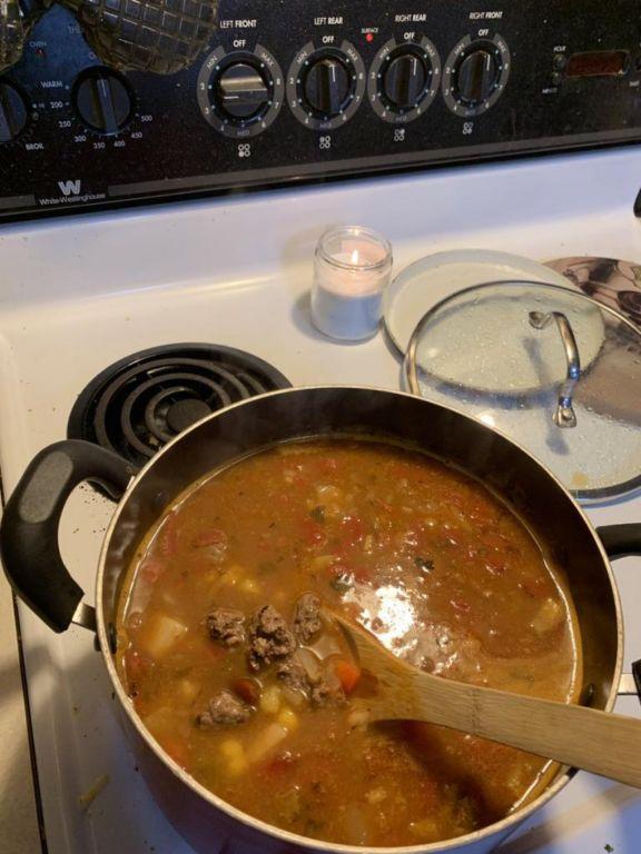 Ингредиенты для солянки с колбасой: список продуктов и рецепт приготовления